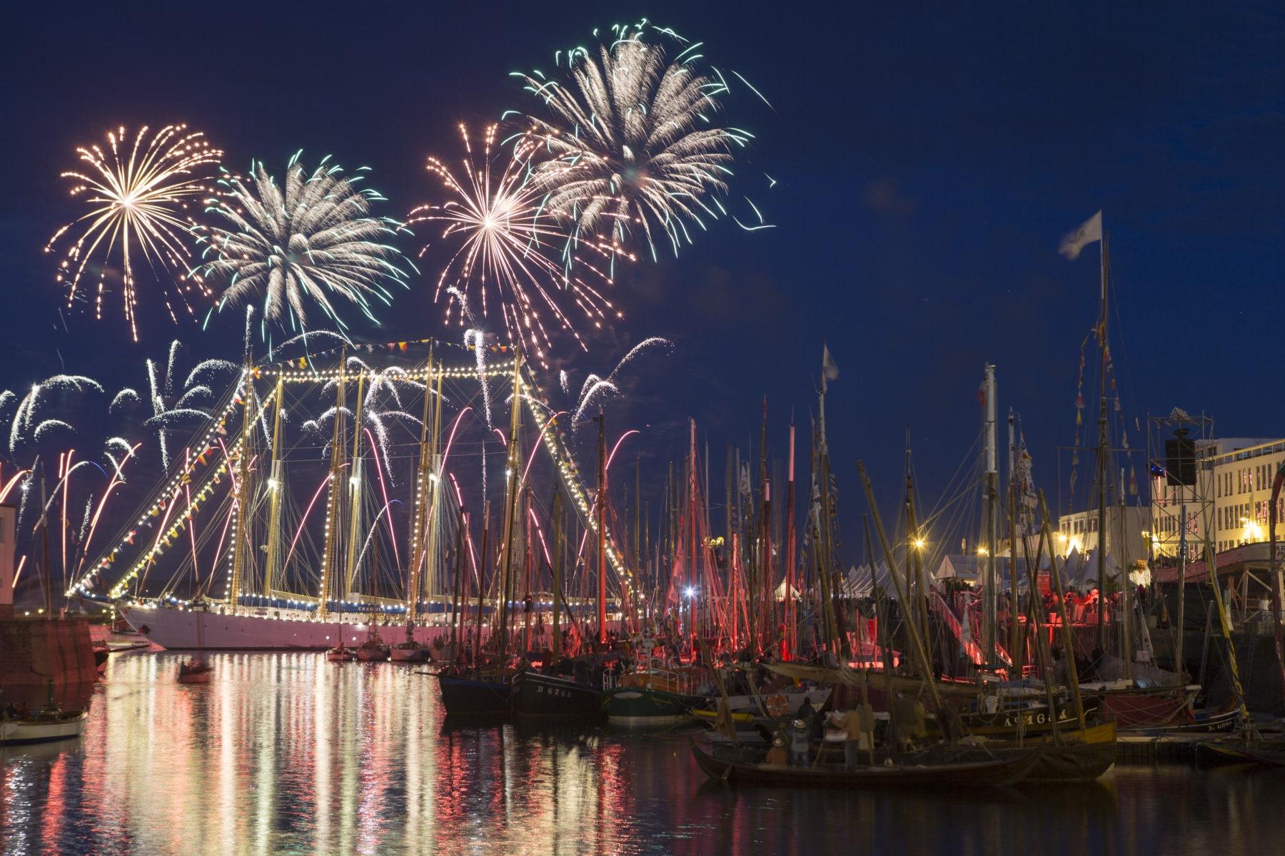 Fetes Maritimes Internationales de Brest